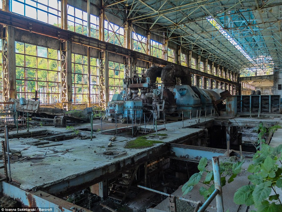 The once-productive factory has now been completed abandoned and left to fall into a state of disrepair